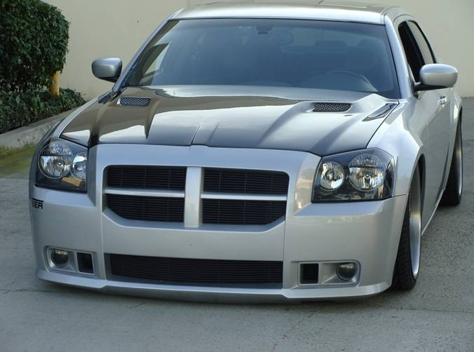 F on 2005 Dodge Magnum Engine