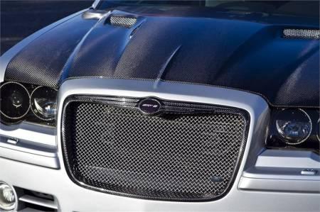 TruCarbon - TruCarbon LG135 Carbon Fiber Grille: Chrysler 300 / 300C 2005 - 2010