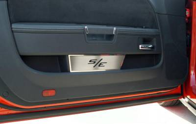 HEMI INTERIOR PARTS - Hemi Interior Trim Accessories - American Car Craft - American Car Craft Brushed Door Badge Plate (S/E): Dodge Challenger 2008 - 2016