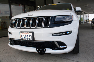 Jeep Grand Cherokee Exterior Parts - Jeep Grand Cherokee License Bracket - StoNSho - Sto N Sho Quick Release Front License Plate Bracket: Jeep Grand Cherokee SRT 2012 - 2016